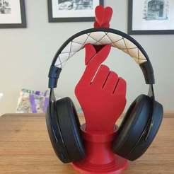20200628_154151.jpg Download free STL file K Pop Headphone Stand • 3D printable design, CheesmondN