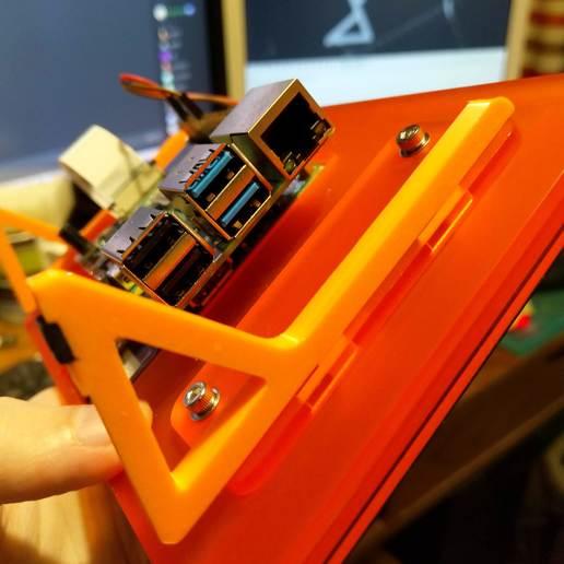 Télécharger fichier SCAD gratuit Jambes de rechange pour écran tactile Pimoroni Pibow • Modèle imprimable en 3D, ali1234