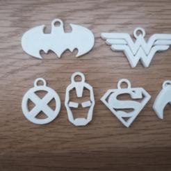 IMG_20210108_173329.png Download STL file Superhero keychain superheroes Superman Batman Wonderwoman Ironman • Design to 3D print, alexcanot9626