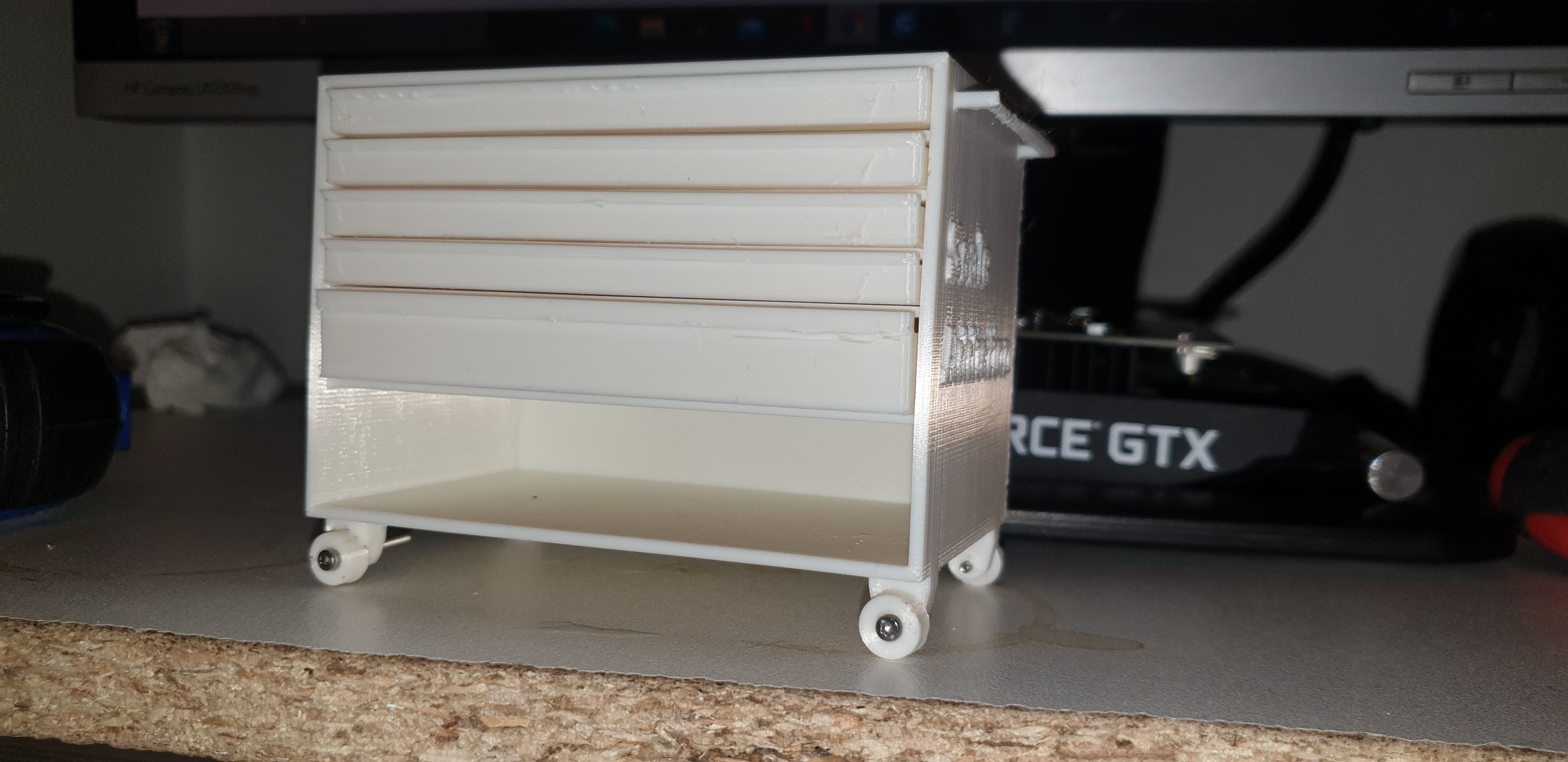 Download free STL file 1:10 scale garage  tool box • Template to 3D print, impression3dfrancais