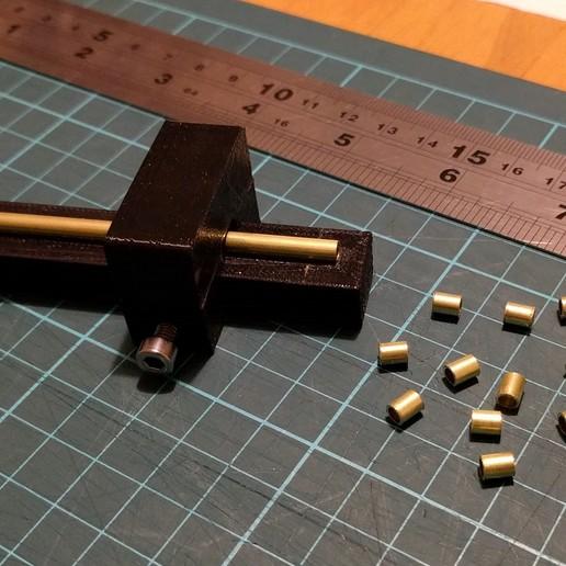 Télécharger STL gratuit Remix d'un outil de coupe de tube avec vis et écrou M4, peaberry
