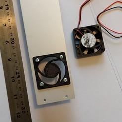 Télécharger STL gratuit Couvercle de ventilateur 40 mm / montage sur panneau, peaberry