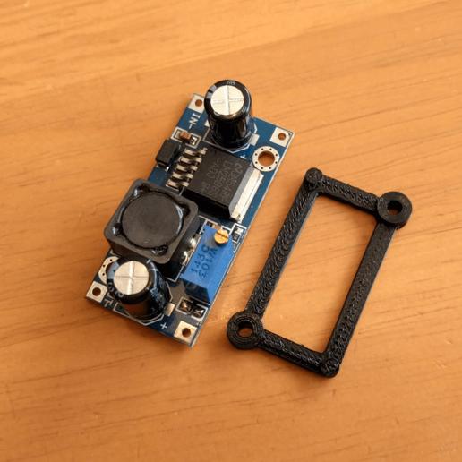 Télécharger fichier STL gratuit LM2596 Support de module • Plan à imprimer en 3D, peaberry