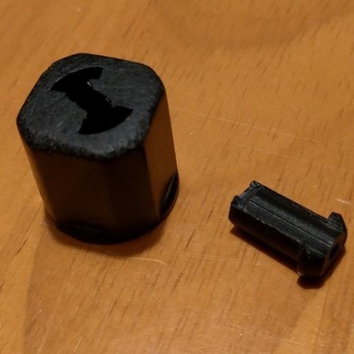 broken_part.jpg Télécharger fichier STL gratuit Bouton de remplacement pour la rallonge (Masterplug 20m) • Plan pour impression 3D, peaberry