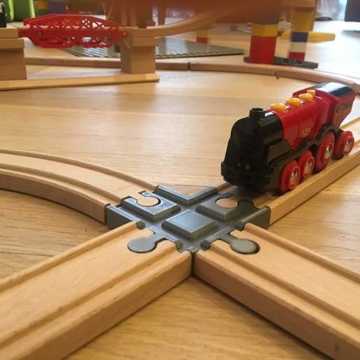 IMG_6533.jpg Télécharger fichier GCODE gratuit Carrefour de voies ferrées en bois : 4 voies (Brio, Ikea ...) • Objet pour impression 3D, Locorico