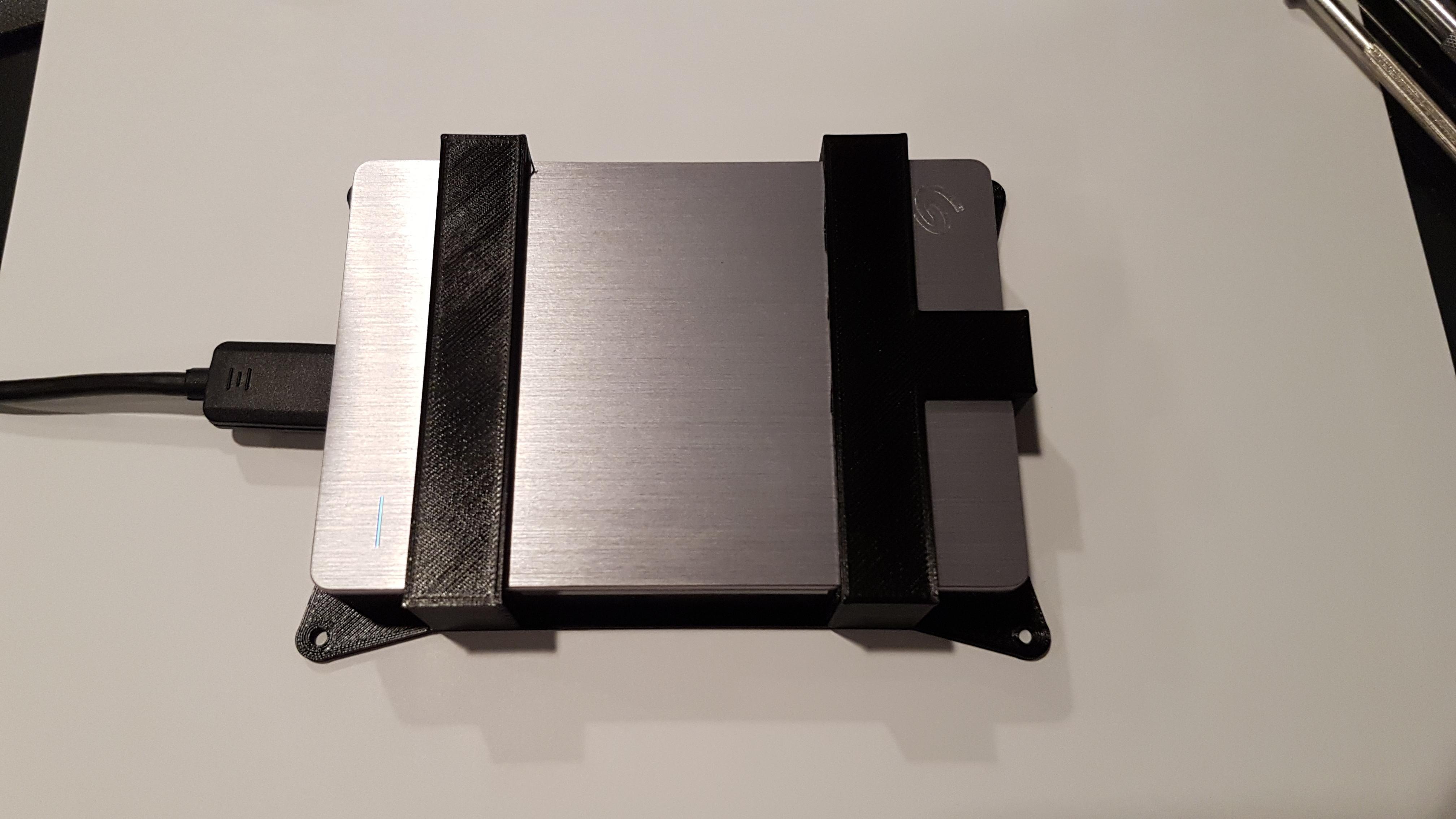20170331_214503.jpg Télécharger fichier STL gratuit Seagate Backup Plus Mount • Design à imprimer en 3D, Hobb3s