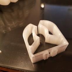 Imprimir en 3D gratis Clips de plástico de presión de la barra, Hobb3s