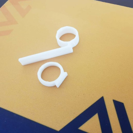 Ring.jpg Download free STL file Anillos en oro blanco y esmeralda • 3D print object, Angie22