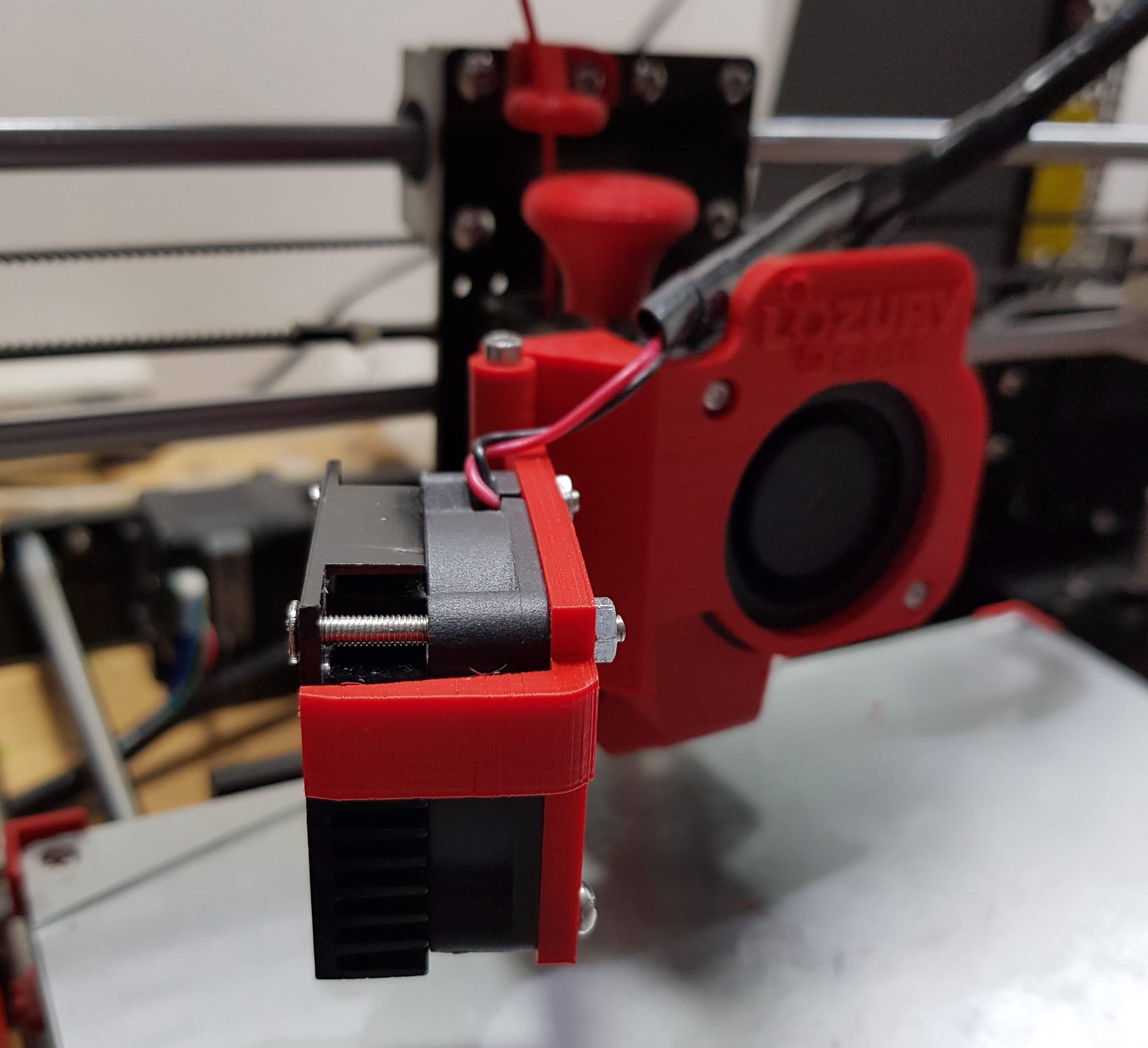 20180530_233243.jpg Télécharger fichier STL gratuit Modification du ventilateur de l'extrudeuse Anet A8 (porte) • Plan pour impression 3D, LozuryTech