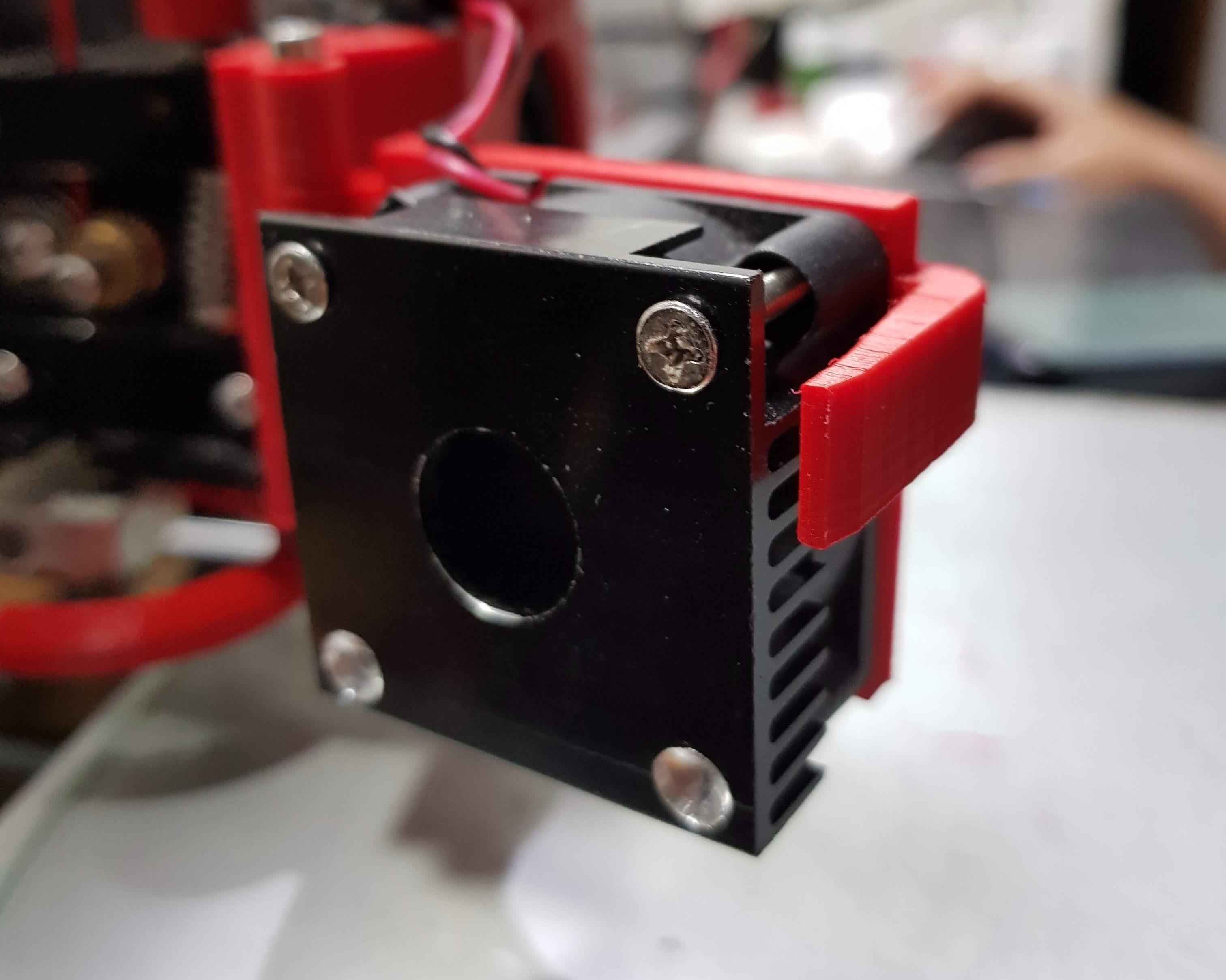 20180530_233250.jpg Télécharger fichier STL gratuit Modification du ventilateur de l'extrudeuse Anet A8 (porte) • Plan pour impression 3D, LozuryTech