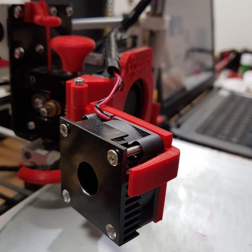 20180530_233240.jpg Télécharger fichier STL gratuit Modification du ventilateur de l'extrudeuse Anet A8 (porte) • Plan pour impression 3D, LozuryTech