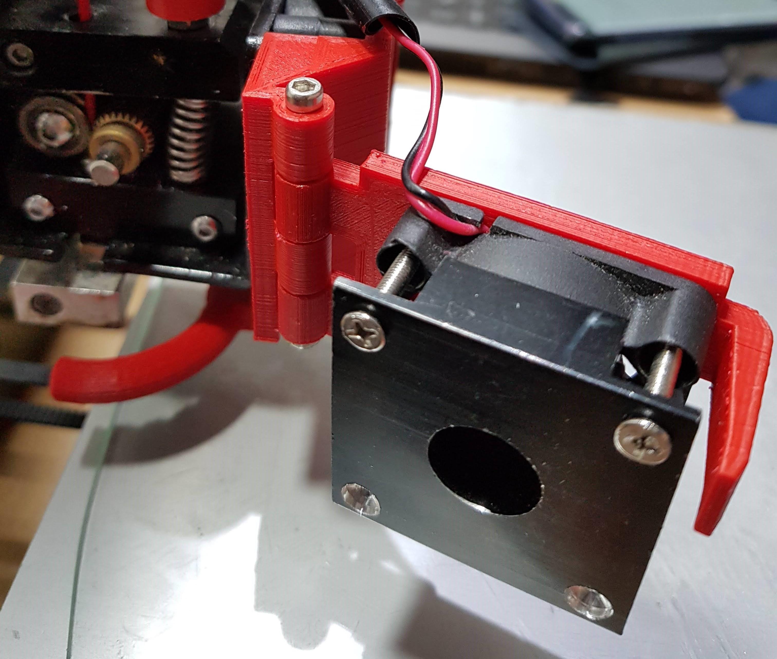 20180530_233255.jpg Télécharger fichier STL gratuit Modification du ventilateur de l'extrudeuse Anet A8 (porte) • Plan pour impression 3D, LozuryTech