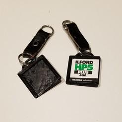 Télécharger fichier STL gratuit Porte-étiquette de film 120 avec porte-clés • Modèle pour impression 3D, thinbegin