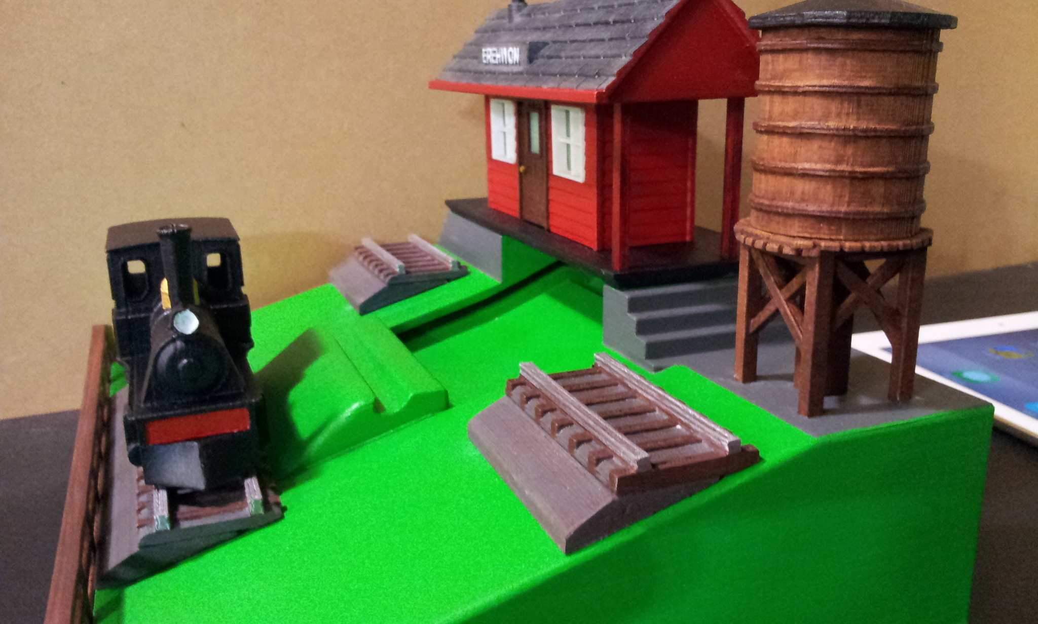 20150502_164046.jpg Download free STL file IPAD STAND (STEAM ENGINE) • 3D printing object, cmtm