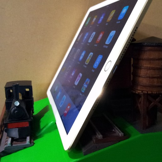20150502_164032.jpg Download free STL file IPAD STAND (STEAM ENGINE) • 3D printing object, cmtm
