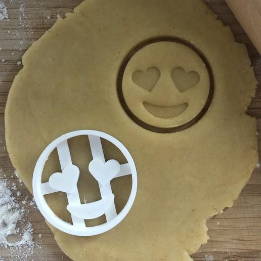 "Télécharger fichier STL Coupe-biscuits Emoji ""Love Heart Eyes"" 55x55mm • Objet pour imprimante 3D, AW95"