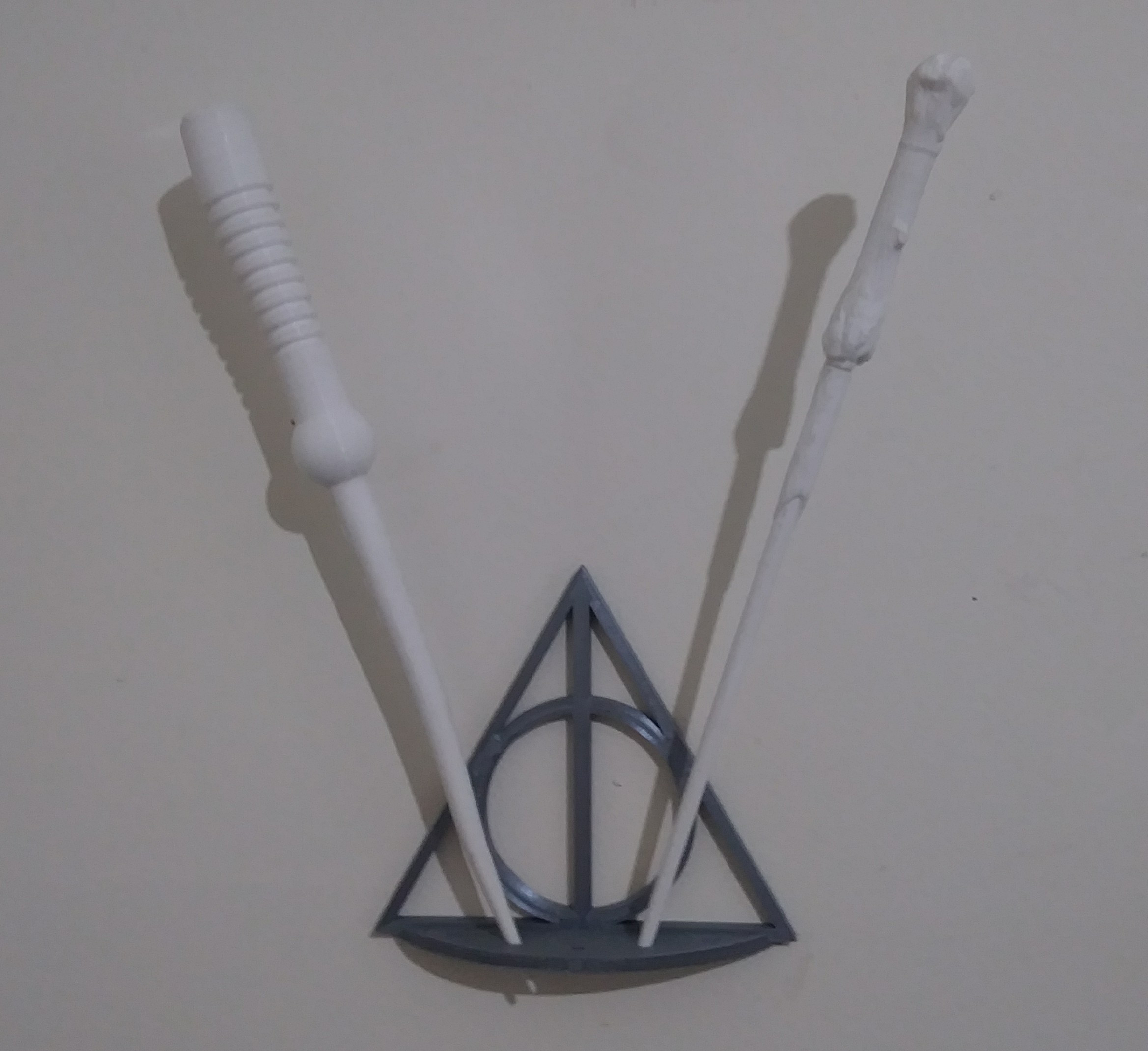 0422191846_HDR-1.jpg Download free STL file Harry Potter Wall-Mounted 5-Wand Holder • Object to 3D print, AbuMaia