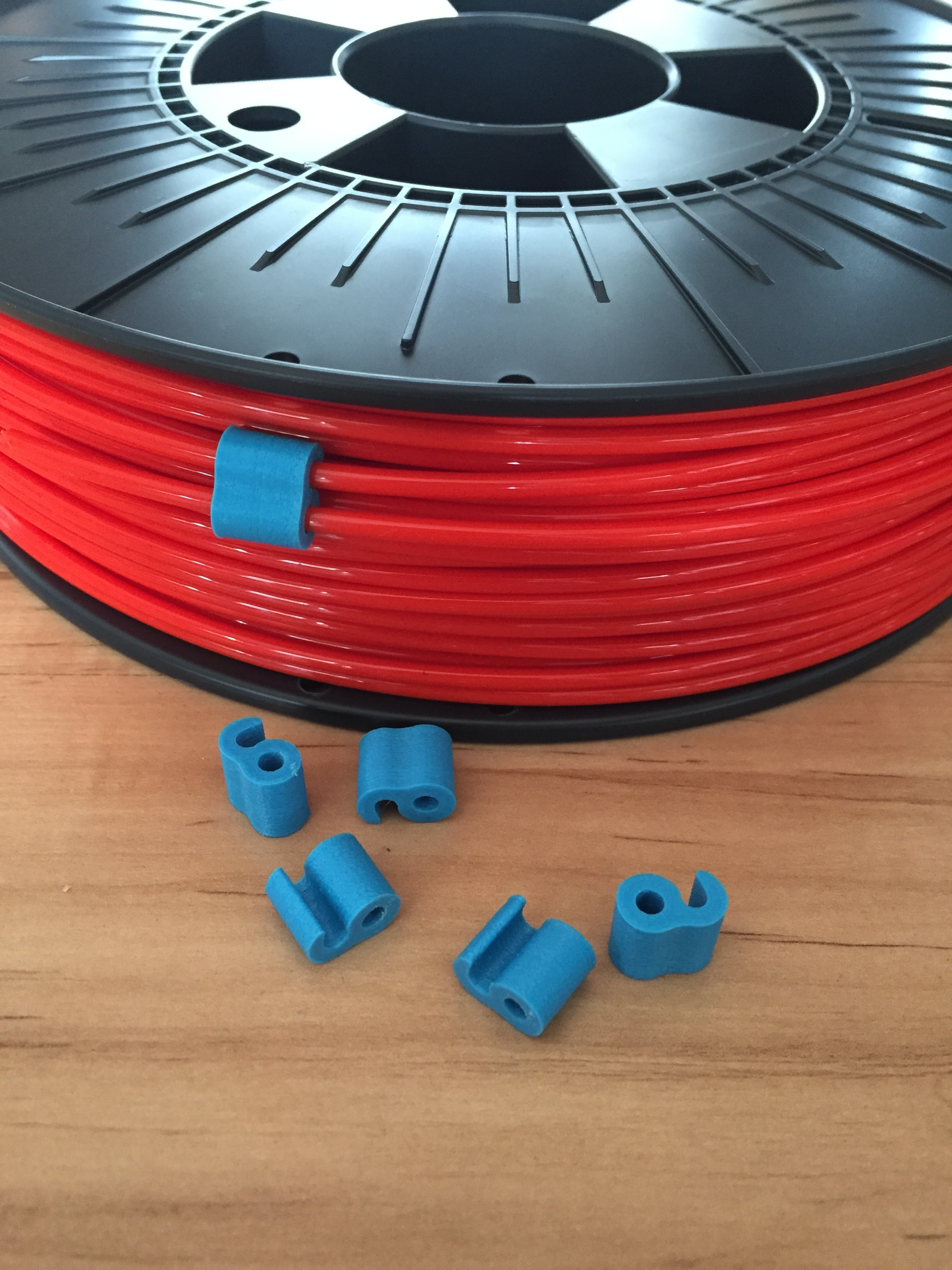 IMG_9400.JPG Download free STL file 3 mm & 1.75 mm filament clip • 3D printing template, Cozi_Officiel