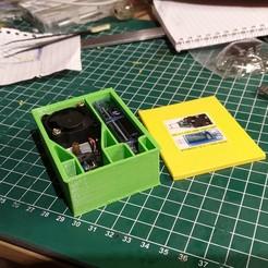 Télécharger modèle 3D gratuit Boîte à outils USB pour le chargement de 15W et le testeur USB, Milan_Gajic
