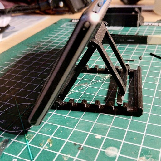 180430-IMG_20180430_170757.jpg Download free STL file Foldable phone stand • 3D printable template, Milan_Gajic