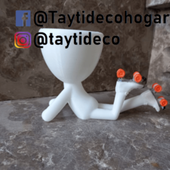 taytideco-robert-conPatines.png Download STL file Robert Plant lying on skates • 3D print model, tayti3dprint