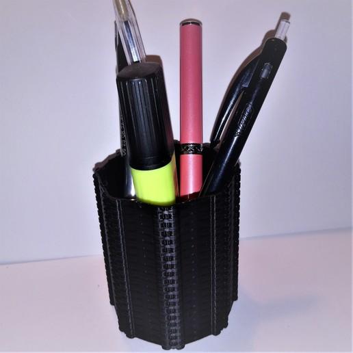 Download free STL file Deco pencil pot inspired by biomechanics alien giger • 3D printable object, hicksadder