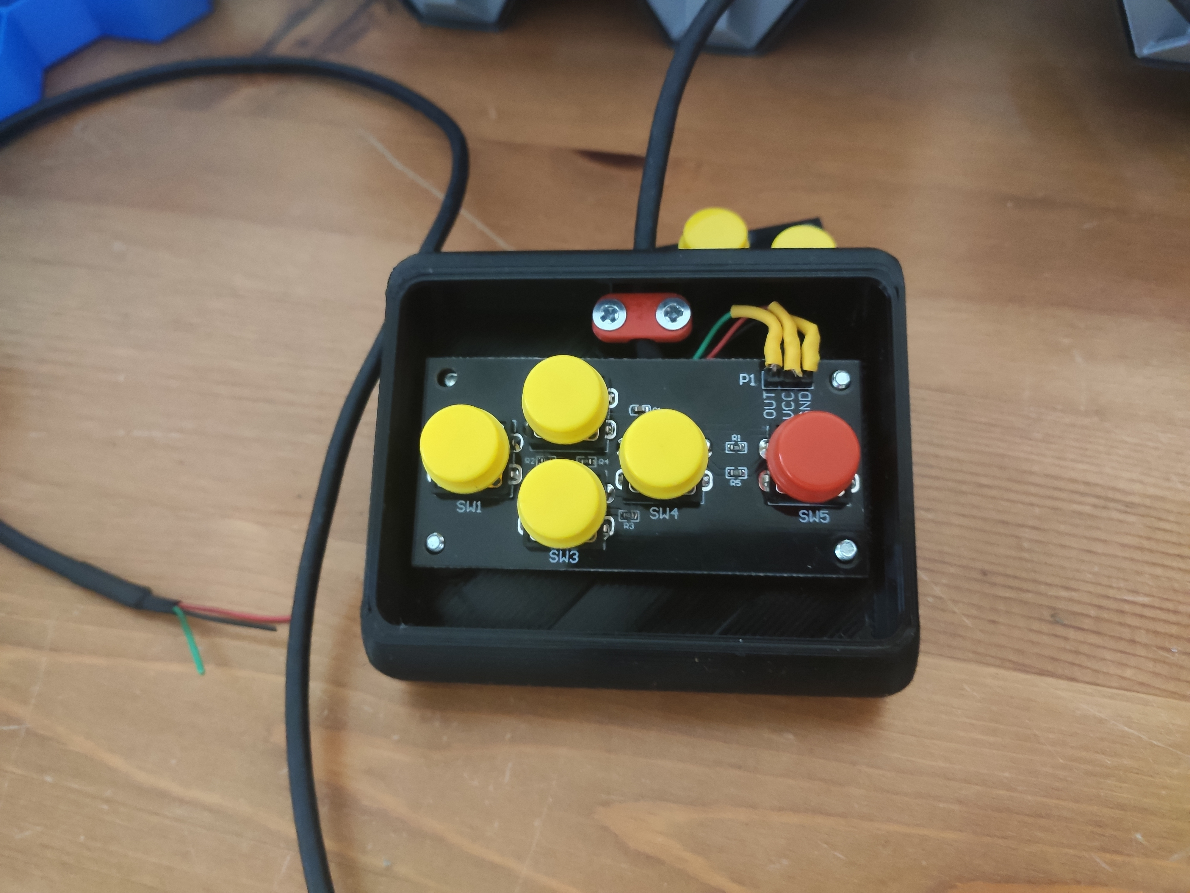 IMG_20201025_151443.jpg Download STL file Five Buttons Arduino Controller  • 3D print object, EnginEli