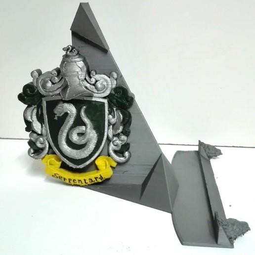 Download 3D printer model Slytherin Stand, johnnydip