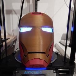 Télécharger STL gratuit Le casque de l'homme de fer avec des yeux LED, stefan80h