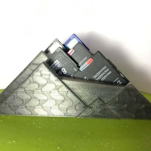 IMG_5304_2.JPG Télécharger fichier STL gratuit Une montagne de cartes SD embiguées • Modèle pour impression 3D, CartesianCreationsAU