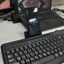 WhatsApp_Image_2018-05-13_at_16.26.12.jpeg Download free STL file Keyboard Phone/Tablet Holder • Model to 3D print, mkroitoru