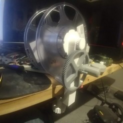 IMG_20191107_001029880.jpg Download free STL file Winder for re-purposing spent filament spools • 3D printing object, ericcherry