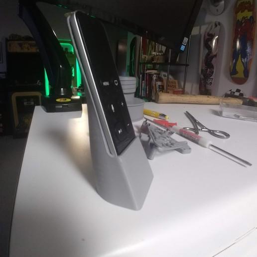 IMG_20190214_224626052.jpg Télécharger fichier STL gratuit Support de télécommande Siri pour Apple TV, étui et support de carrelage • Plan imprimable en 3D, ericcherry