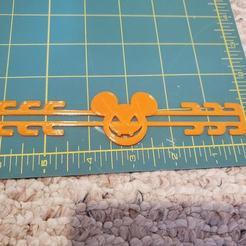 120298352_3409327719292429_5463774835243844502_o.jpg Download STL file Halloween Mouse Pumpkin Mask Ear Saver Relief • 3D printable design, HostagePotatoChips