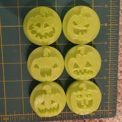 121033723_3419968968228304_3980998361298658529_o.jpg Download STL file 6 Pumpkin Stamps for Clay or Play-Doh etc.. • 3D printing object, HostagePotatoChips