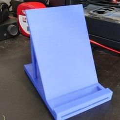 fec76c99-da71-4769-8919-ed7cd35782d3.jpg Download free STL file Phone stand with directional speaker slot • 3D printer template, zackblank