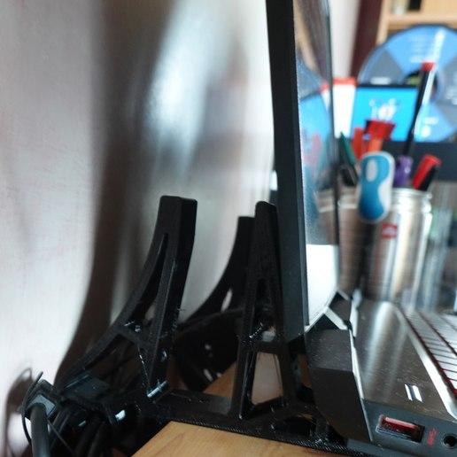 Download free 3D printing designs Desktop Laptop Support, syl20mm
