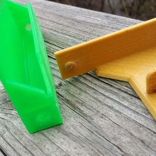 20150122_122859.jpg Download free STL file Cassette Tape Case / Holder • 3D printable model, tonyyoungblood