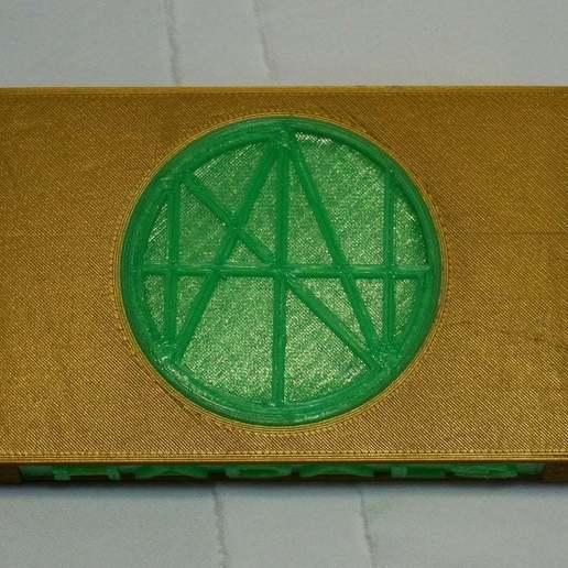 DSC02063.JPG Download free STL file Cassette Tape Case with Customizable Logos / Album Art • 3D printable model, tonyyoungblood