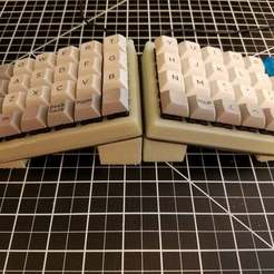 20180106_144823.jpg Download free SCAD file Customizable tenting for Let's Split / ergonomic keyboards • 3D printable model, rsheldiii