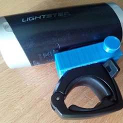 IMG_20190731_180625.jpg Télécharger fichier STL gratuit Support de phare de vélo (Sigma Lightster) • Design pour impression 3D, bbleimhofer
