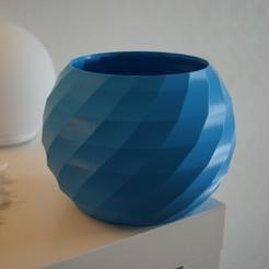 DSC04150.JPG Télécharger fichier STL gratuit Cache pot / Vase low poly • Plan à imprimer en 3D, desceo