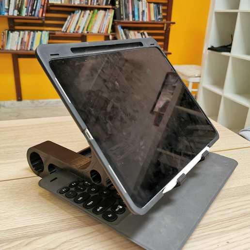 Keyboard slot slanted.jpg Download free STL file iPad  Stand Vega • 3D printer template, Modellismo