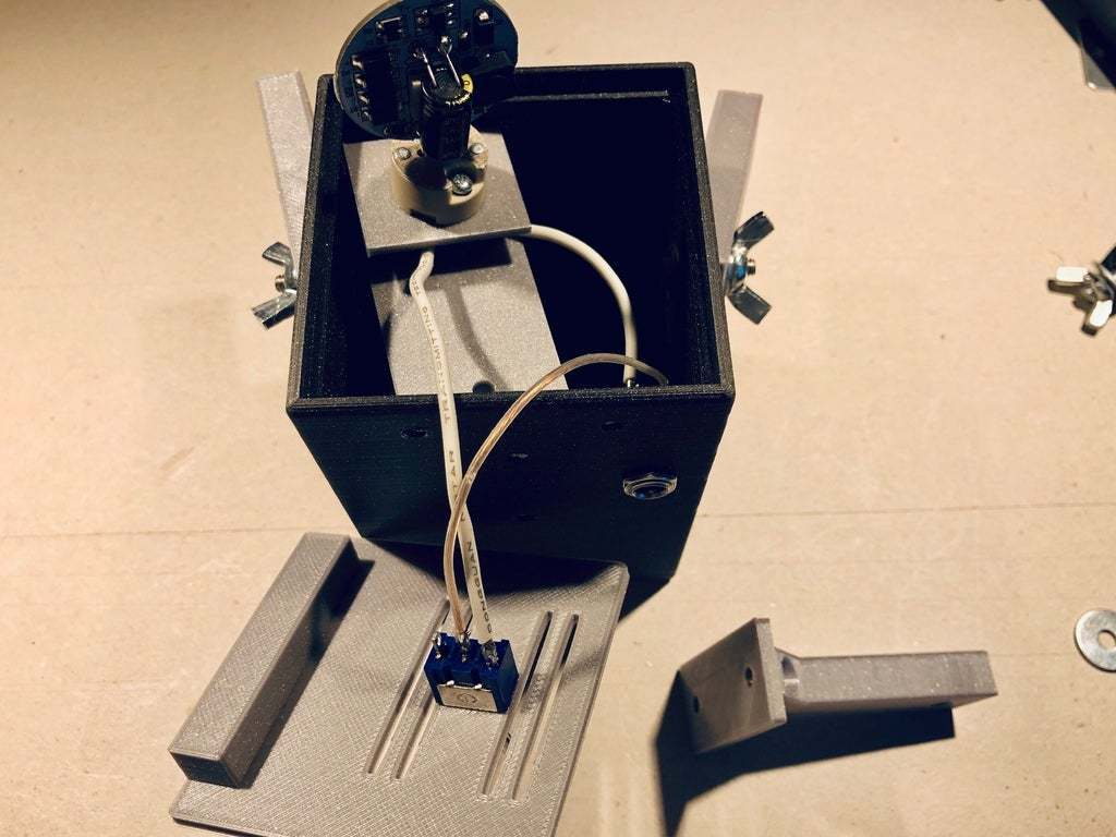 IMG_0780.jpg Download free STL file PLAzzy Lamp (Dog), LED 12V 2.5W • 3D printer model, Seabird