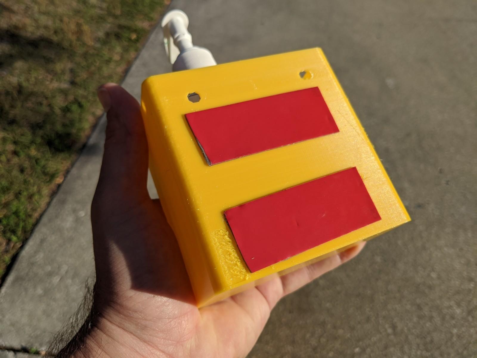 IMG_20200324_084323 (1).jpg Télécharger fichier STL gratuit Détenteur de désinfectant pour les mains • Modèle pour imprimante 3D, ThinkSolutions