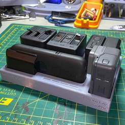 IMG_4539sm.jpg Télécharger fichier STL gratuit Caméras INSTA360 + étui de chargement • Plan à imprimer en 3D, bruceagordon