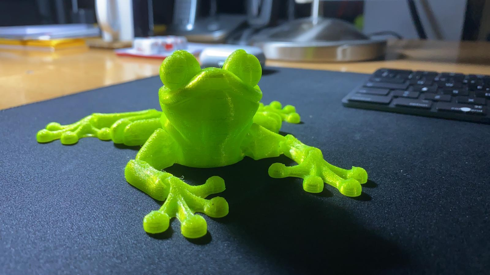 Download STL file Cute Flexi Print-in-Place Frog • Template to 3D print, optika