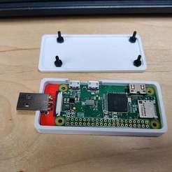 IMG_20200128_114528.jpg Télécharger fichier STL gratuit Boîtier USB Pi Zero • Plan pour imprimante 3D, tmcdonagh12