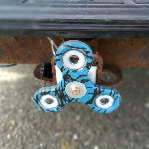 IMG_20170916_150955.jpg Download free STL file 2 INCH hitch cover and fidget spinner • Model to 3D print, hitchabout