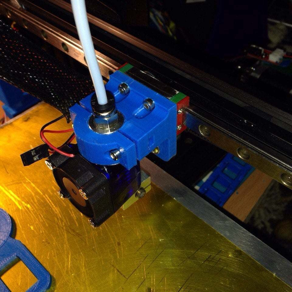 L5ud0CGUOz0[1.jpg Download free STL file Holder for e3d v6 hotend to MGN9H carrier • Design to 3D print, tigorlab